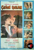On İki Çılgın Kız 1975 Erotik Film izle